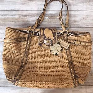 🍂🌺Straw and snakeskin NWT Coach Shoulder Bag